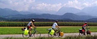kertlátogatás biciklivel